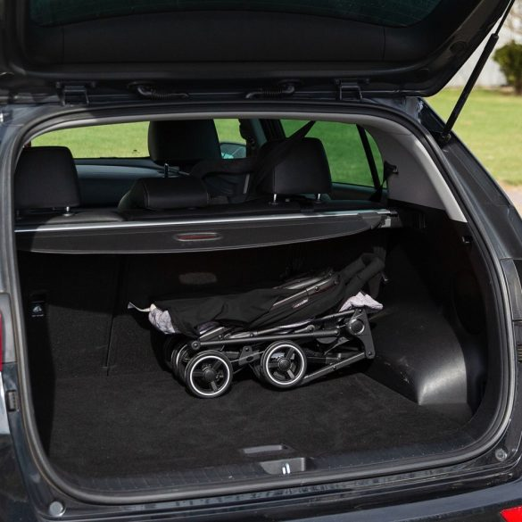 Coccolle Mino ultrakompakt hibrid sport babakocsi - Black