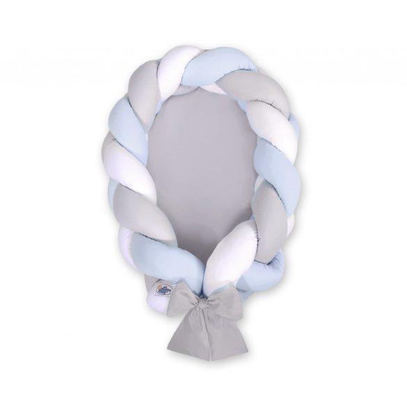 Fonott babafészek és rácsvédő - 2in1 - fehér-szürke-kék  - szürke alap