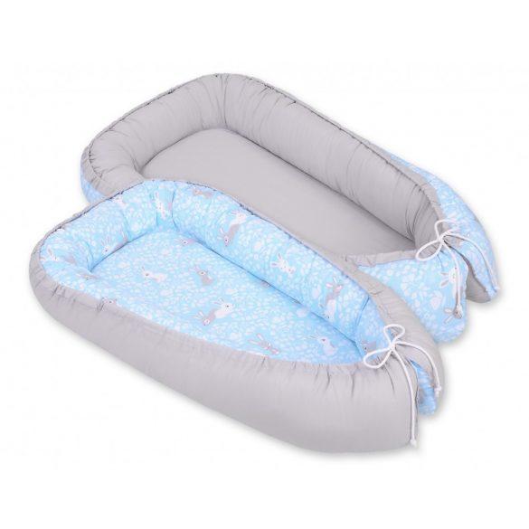 BabyLion Prémium babafészek - Kifordítható! - Kék nyuszik