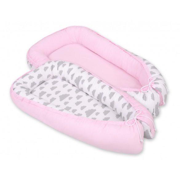 BabyLion Prémium babafészek -   Kifordítható!  -  Rózsaszín - Felhők